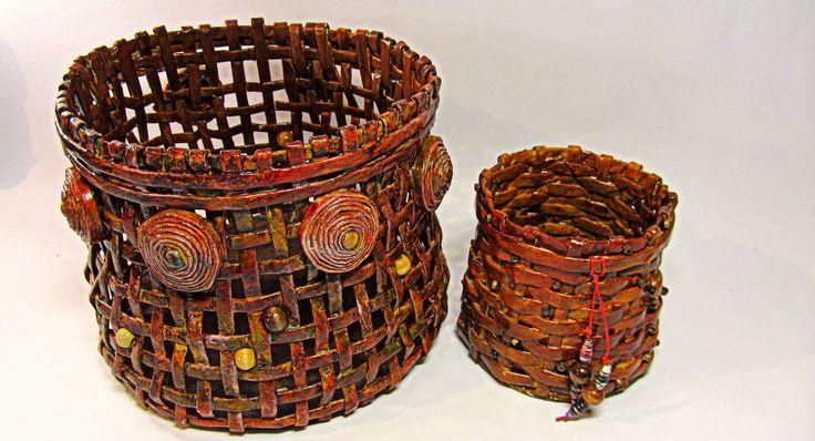 Como hacer cestas con periódicos. Newspaper basket.