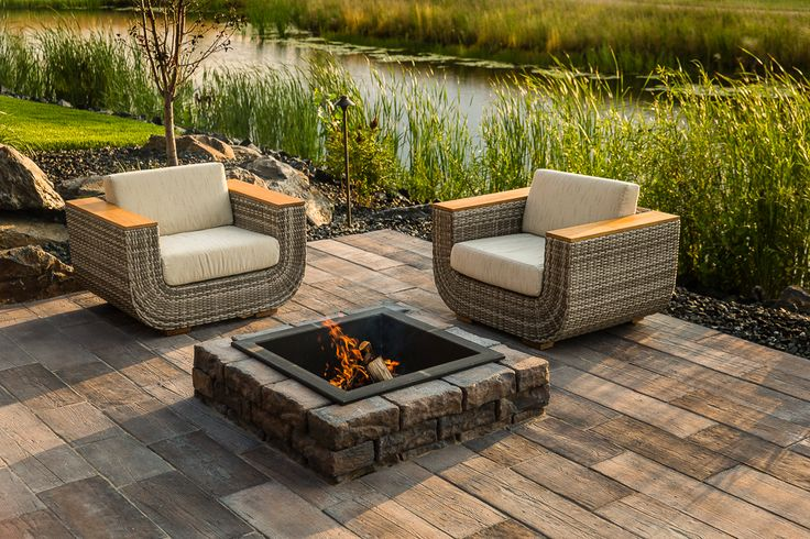 79 best outdoor fire pits and fireplaces images on for Fire pit on concrete slab