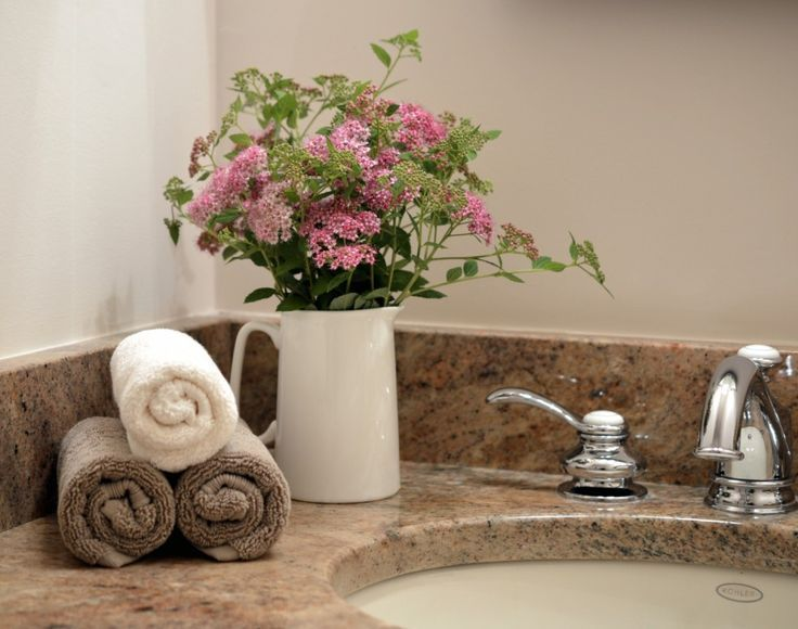 Best 25 bathroom staging ideas on pinterest bathroom for Best ways to stage a house for sale