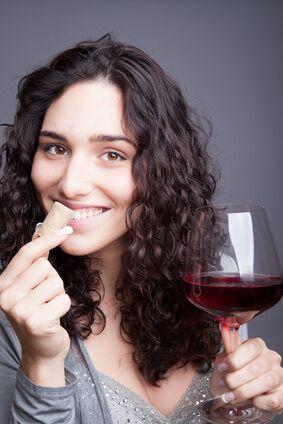 Tolles Gastgeschenk so ein elektrischer Flaschenöffner oder Korkenziehr! Entspannt Weine geniessen, kein Stress beim Öffnen von noch so vielen Weinflaschen -  entspannt Gäste bewirten!