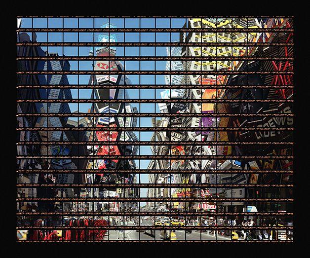 Incrível e minucioso, o trabalho do fotógrafo alemão Thomas Kellner. Habituado a fotografar arquitetura, ele se interessou pela capacidade do olho humano captar detalhes e combiná-los em visões panorâmicas. Por isso criou a série de fotos em que desconstrói monumentos icônicos, com centenas de pequeninos quadros dispostos na posição corr...