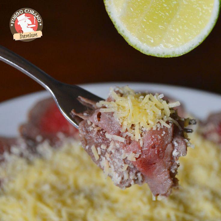 Cómo pensar en una entrada y no pensar en un #CarpaccioDeSolomito, ligero, delicioso y la mejor opción para iniciar tu comida en #FuegoCubano. Es nuestro #Recomendado del día #RestaurantesMedellín