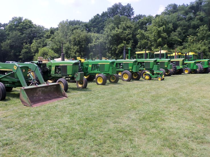 John Deere 2020,3020,4020,4320,110,4520,4620,7020,6030,7520. lined up.Whats missing?A 4000,5010 & a 5020