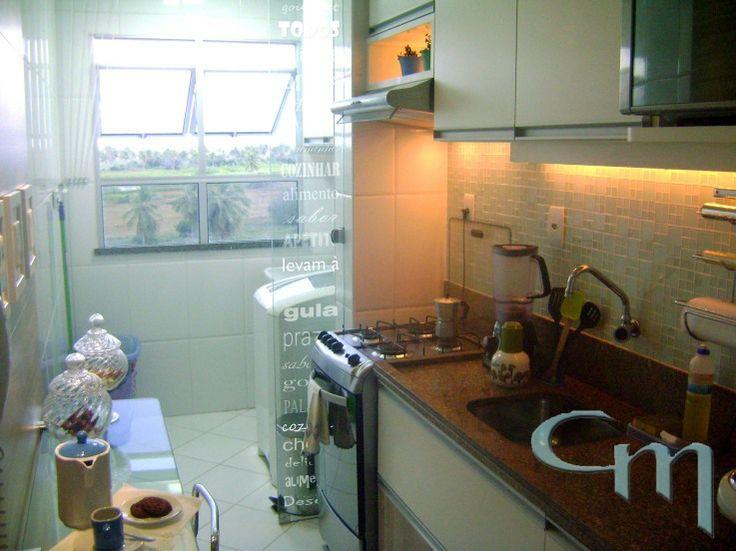 Armario Baixo Escritorio Preto ~ Cozinha com pastilha de vidro transparente e adesivo no vidro ao lado do fog u00e3o Cozinha corredor