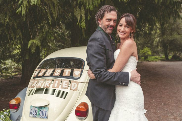 View photos from Grimm Monroe and Rosalee's Wedding Album on NBC.com.