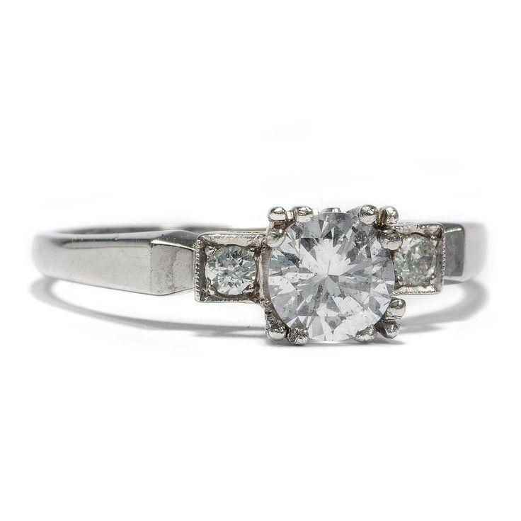 Was das Herz begehrt... - Klassischer vintage Diamant-Solitär Ring in Weißgold, um 1970 von Hofer Antikschmuck aus Berlin // #hoferantikschmuck #antik #schmuck #Ringe #antique #jewellery #jewelry // www.hofer-antikschmuck.de