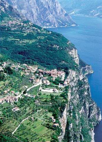 Tremosine, Italy | Visual Italy Lombardia: Tremosine