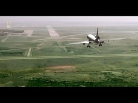 Seconds From Disaster - Crash Landing at Sioux City [HD]