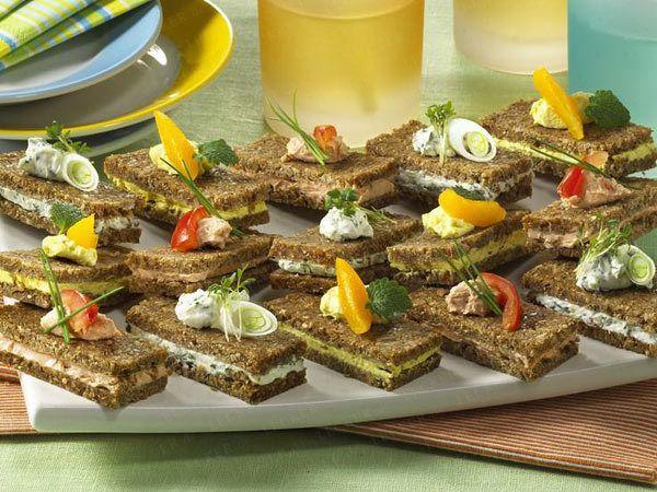 Canapés - kleine Leckereien für Schnittchen-Fans - frischkaese-schnitten (Finger Food Appetizers Appetizer Party)