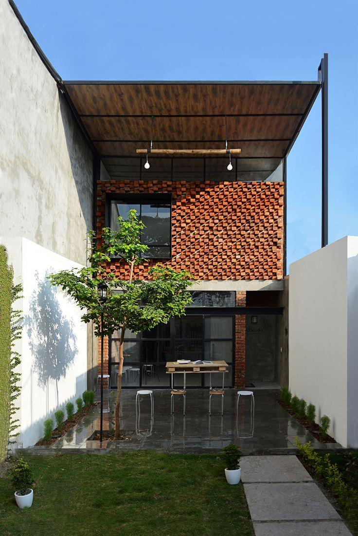 Image 1 of 21 from gallery of The Little Atelier / Natura Futura Arquitectura. Courtesy of Natura Futura