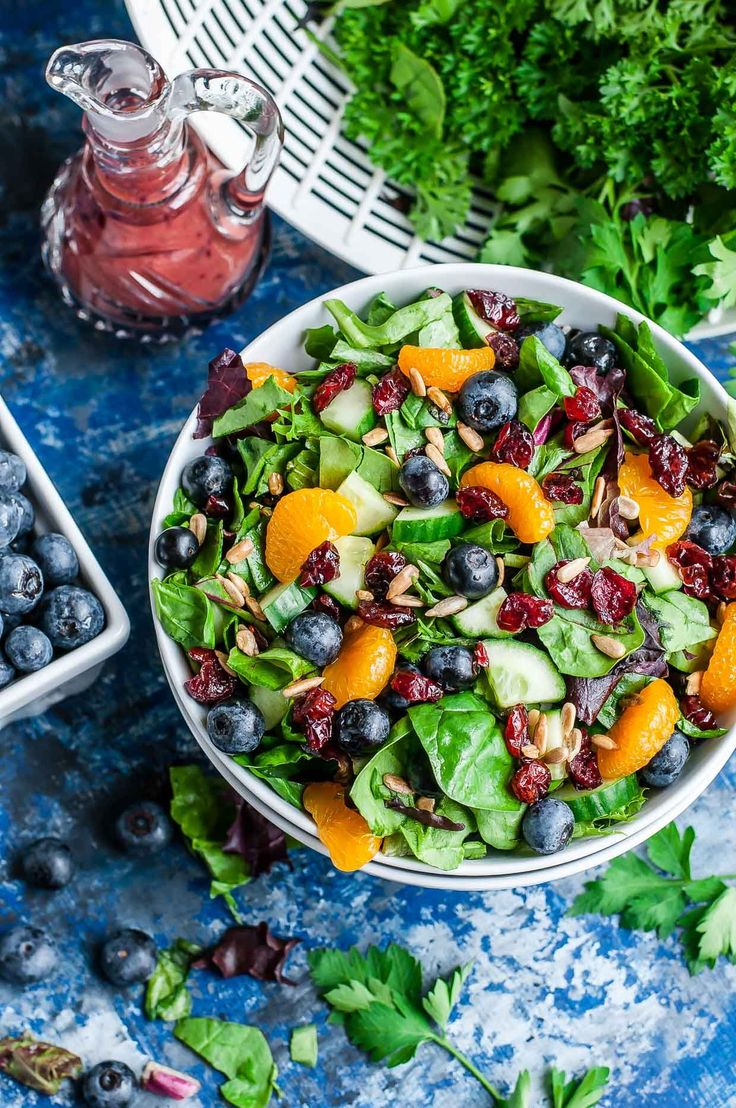 Cranberry Blueberry Spring Mix Salad w/ Blueberry Balsamic Dressing: this tasty salad is vegetarian, gluten-free, dairy-free + paleo with an easy vegan swap