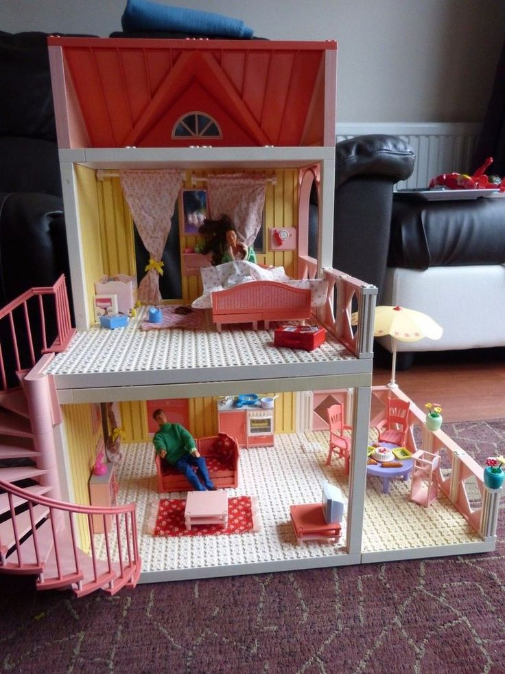 Loads of bits and bobs included in this Lego Scala Big House, including Mum and Dad dolls, fully clothed, baby, cot and accessories. In good used condition. Some fading to the plastics due to age/sunlight but no breaks/splits etc. | eBay!