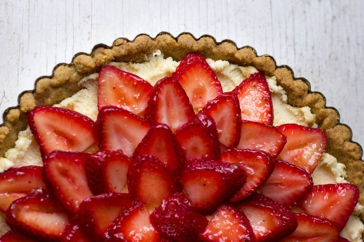 Gluten-free Strawberry Mascarpone Tart | tarts | Pinterest