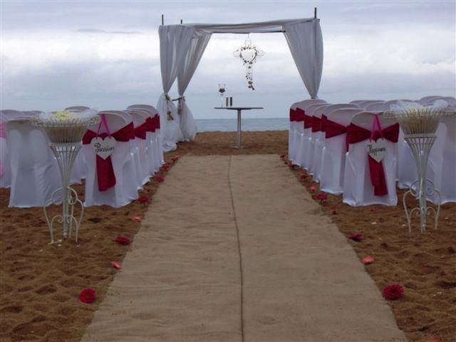 Zimbali Beach Wedding. Decor by www.sweetp.co.za