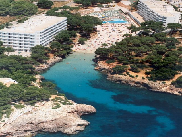 Corfu/Skorpios Hotel - Cala Dor, Mallorca (Majorca) - read customer reviews and book the Corfu/Skorpios hotel.