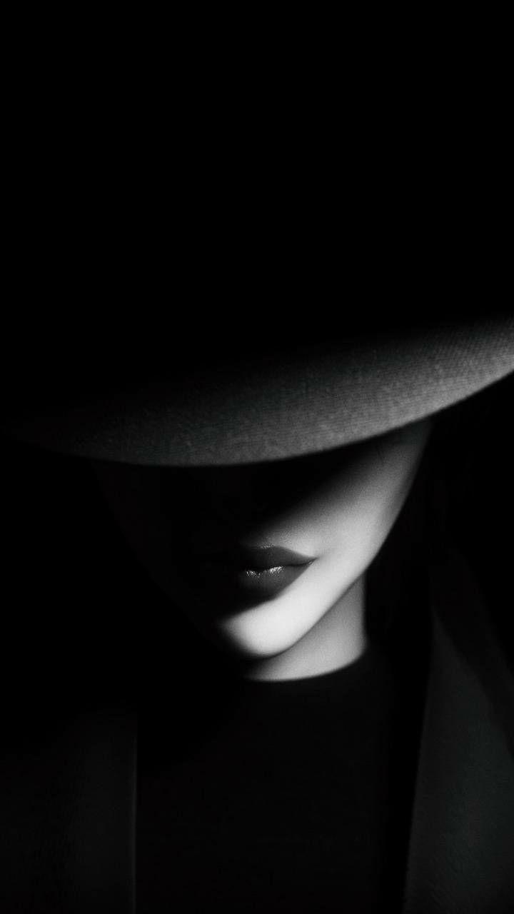 Zdjecia Do Okladek Pictures For Covers Zawieszone Low Key Portraits Dark Photography Black Photography