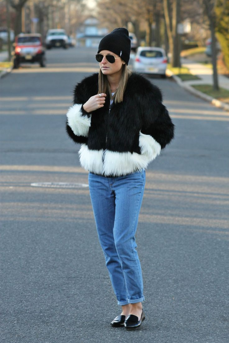 The December Edit | H&M color block black & white faux fur coat/jacket, black beanie, jeans, black pointed toe flats, casual winter street style outfit ideas, fashion blogger #tobebright