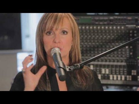 How to Use a Microphone | Vocal Lessons