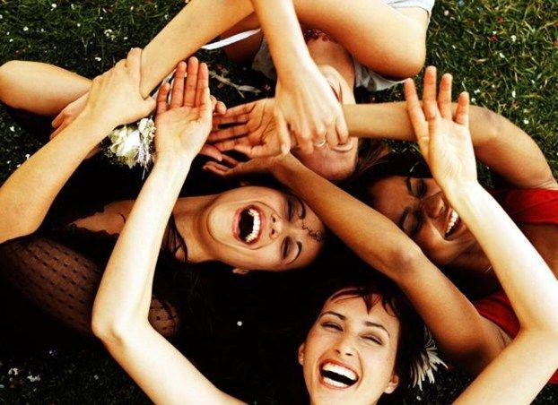 Le ferite hanno un rimedio naturale..       Il sorriso e l'affetto degli amici...