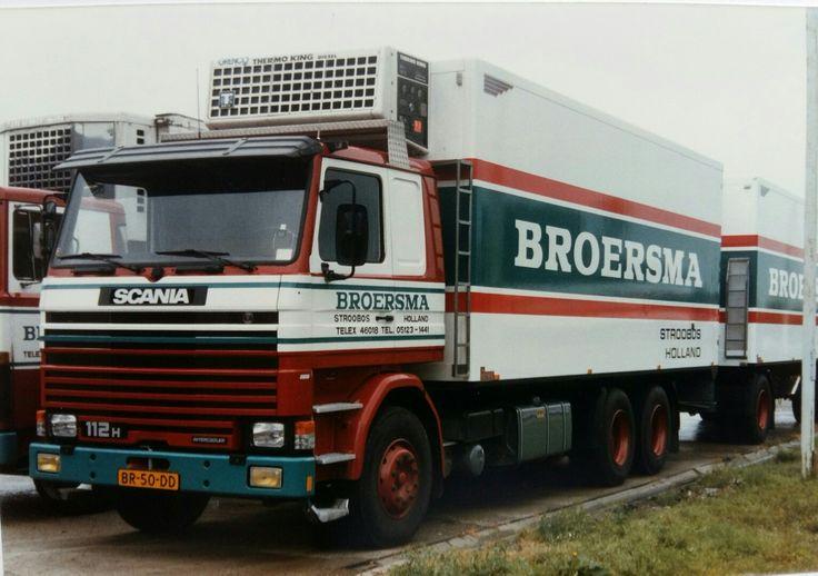 Scania R 112 H 6X2 met koelaanhanger van Broersma uit Stroobos