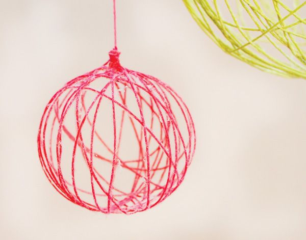 DIY Tutorial: Creative Yarn Chandelier // Hostess with the Mostess®