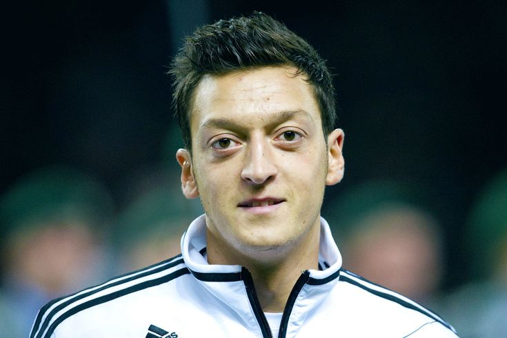 Mesut Ozil Germany Wallpapers Hd Http Www Wallpapersoccer Com Mesut Ozil Germany Wallpapers Hd 2 Html Hair Styles 2017 Soccer Players Daily Hairstyles