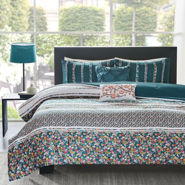 Intelligent Design Amelia Teal Comforter Set