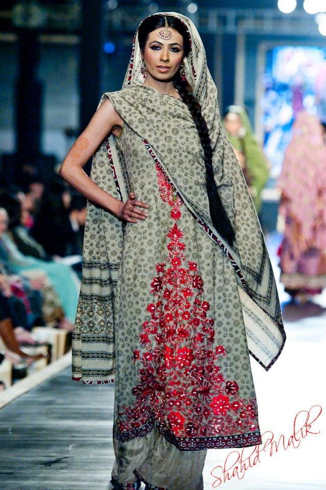 Nomi Ansari at Pakistan Bridal Week 2012