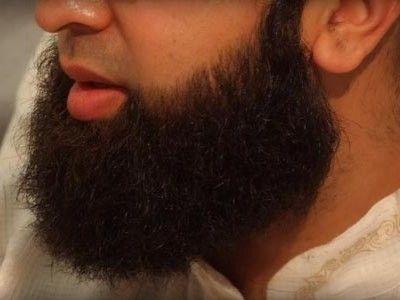 Что касается Вашего вопроса, мы советуем Вам хранить Ваш брачный союз и решать все Ваши проблемы мудро и по-доброму. Вы можете подстричь или укоротить бороду, и при этом Вы будете следовать Сунне Пророка (да благословит его Аллах и приветствует) и порадуете свою жену. http://islam.com.ua/raznoe/18910-mozhno-li-ukorotit-borodu