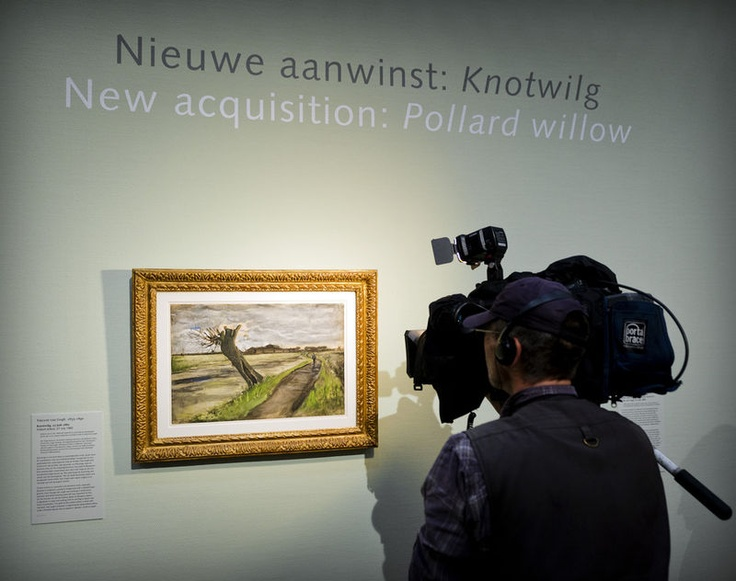 The Van Gogh Museum in Amsterdam has recently acquired the watercolor drawing Knotwilg by Vincent van Gogh. It is the first time in five years that the museum bought another work of the painter.Vincent Vans, First Time, Vans Gogh Museums, Gogh Art, Van Gogh Museum, Le Sigh, Drawing Knotwilg, Watercolors Drawing, Museums Bought