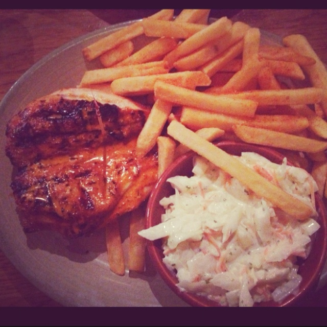 #ladybird2turtle #pinadaysep #food #Nandos HOT Butterfly Chicken Breast with peri chips & coleslaw