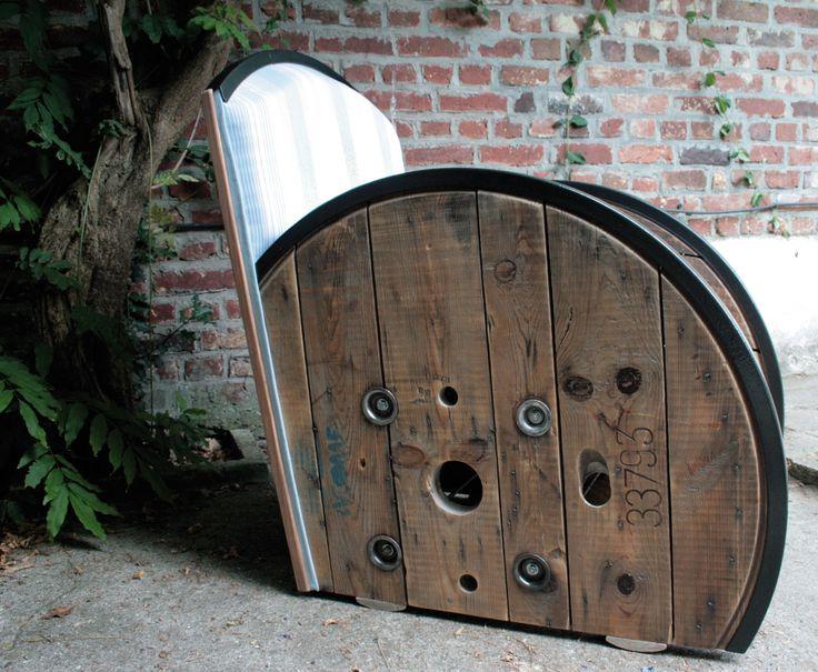 Fauteuil club créé à partir d'un ancien touret. #Recyclage #upcycling #Ecodesign