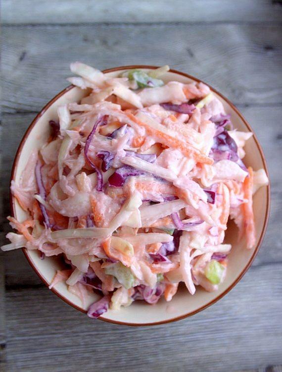...pyszny przepis na coleslaw. Kto powiedział, że coleslaw ... surówka z kapusty można tylko robić z białej kapusty...coleslaw z białej i modrej kapusty