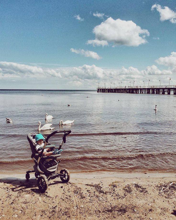 Celebrating the last day of spring with the marine breeze... #sea #beach #seaside #outdoors #nature #byespring #hellosummer #hot #warm #sand #water #neo #baby #concordneo #concord #stroller #cute #pushchair #buggy #kinderwagen #bebe #poussette #passeggino #repost