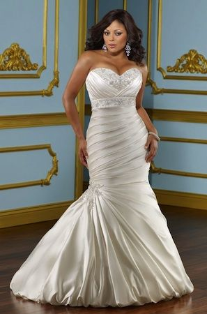 "Robe de mariée ""Lover"" collection ""Jolies Formes"" http://www.robe-discount.com/achat-robe-de-mariee-grande-taille-bustier-sirene-pas-chere-387472.html Wedding dress plus size bridal dresses"