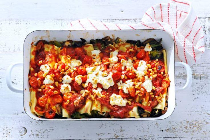 De bekende canneloni met geitenkaas en heel veel tomaten, lekker! - Recept - Allerhande