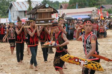 Naik Dango, upacara ucap syukur kepada sang pencipta warga Kalimantan Barat..