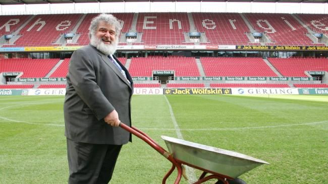 """Oh dear. More re-writing of history. Chuck Blazer did not """"touch off the #FIFA scandal.""""  Nonetheless, #RIP Chuck."""