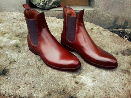 Купить или заказать Челси в интернет-магазине на Ярмарке Мастеров. Мужские ботинки Конструкция Челси Прошивной метод В мастерской Hay Bros мы каждый день создаем для Вас обувь и аксессуары исключительно ручной работы. Импортное, высококачественное сырье позволяет нам производить продукцию, способную составить конкуренцию ведущим европейским брендам высочайшего качества класса LUX. У нас Вы можете заказать обувь любой конструкции: оксфорды, дерби, лоферы, монки и т.д.
