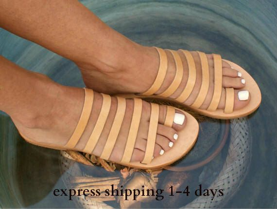 3d7a5c231595e Pin by Cyndy Smith on Handmade Sandals in 2019   Toe ring sandals ...