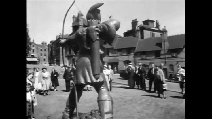 Robin Hood Statue, Nottingham. Unveiling ceremony 24 July 1952.