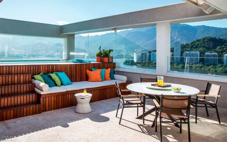 Cobertura tem churrasqueira, piscina e vista deslumbrante para o Rio - Casa