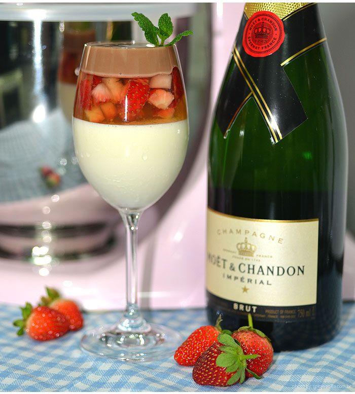 Receitas deliciosas para o dia dos namorados. Uma de morango e champagne e uma taça dos Apaixonados com leite condensado, champagne, e brigadeiro de Nutella