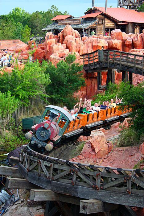 Thunder Mountain rail coaster - Disney World, Orlando #disney #bigthundermountain