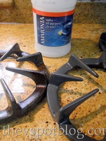 Pitten schoonmaken - Het is een van de vervelendste klusjes in het huishouden: het schoonmaken van het fornuis. Het lijkt wel alsof die aangekoekte gaspitten nooit meer schoon kunnen worden! Als het vaatdoekje en het schuursponsje niet meer helpen, is er een simpele truc om de pitten weer te laten glimmen. Met deze simpele truc maak je gaspitten…