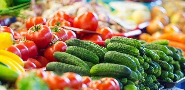 اكتب موضوعا في حدود 10 اسطر عن الاطعمة الطازجة وفوائدها مدعم بالصور إجابتي Fresh Food Fresh Meat Food