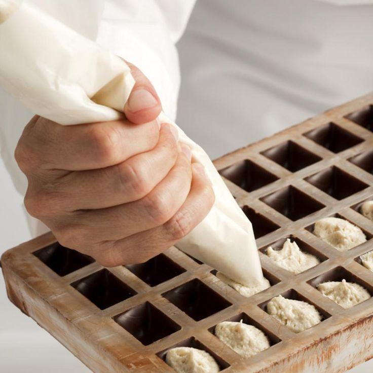"Hemisphere Polycarbonate Chocolate Mold- 0.79"""