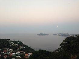 Luna de Dia, en Acapulco, por Victor Manuel Montero Garcia. gracias!! Febrero 2014