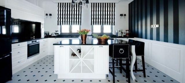 Elegancka, stylizowana kuchnia black&white. Fot. Meble Janas