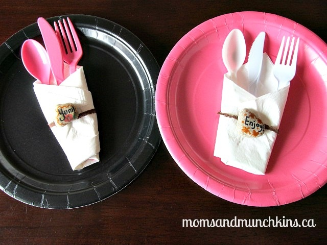 Easy picnic craft for kids - paper plate weights